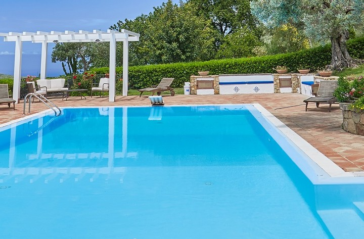 LUXURY-VILLAS-IN-SICILY-WITH-POOL