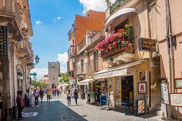 Taormina's artisan shops