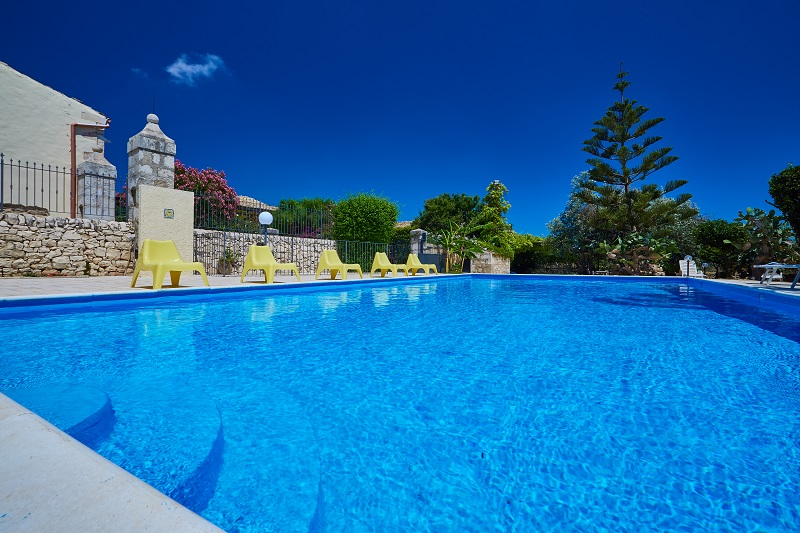 The large pool at Villa Punta Secca