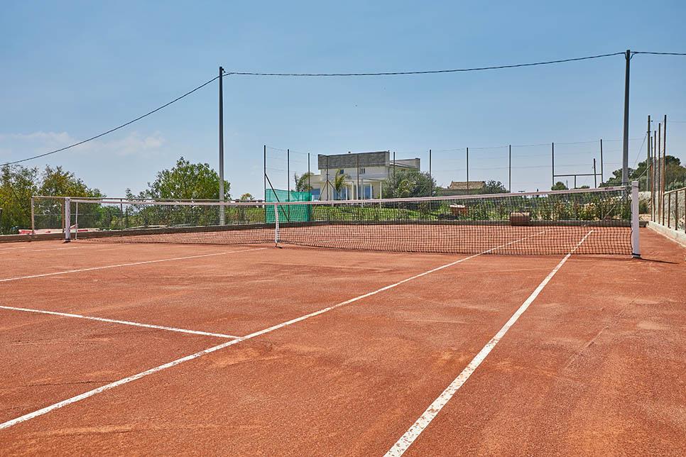 Villa Rebecca's private tennis court