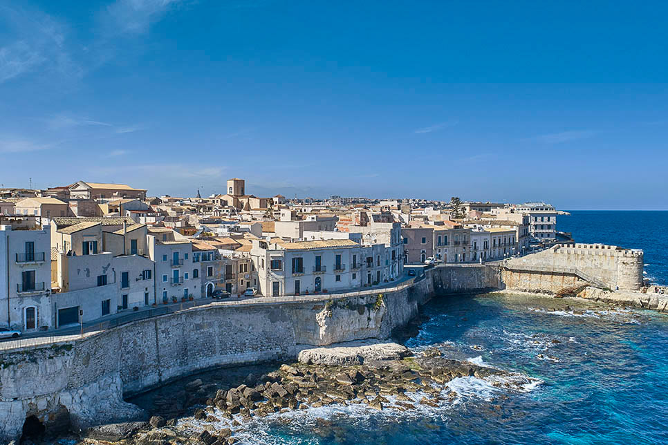 Casa a Ortigia seen from the sea