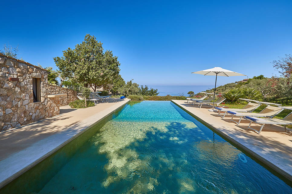 Villa Arte Mare Blue, the infinity pool