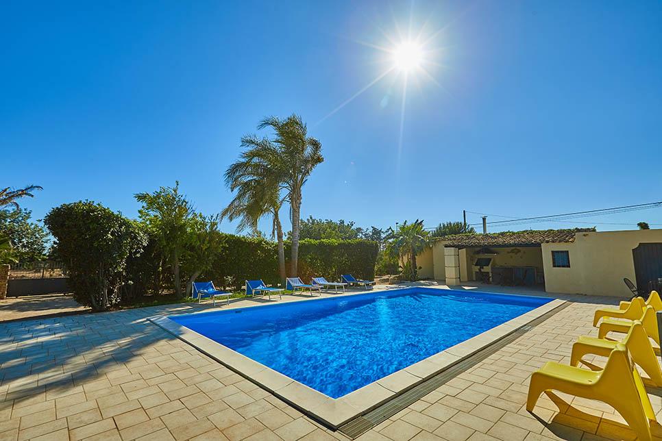 Book our villa with pool in Sicily, Punta Secca