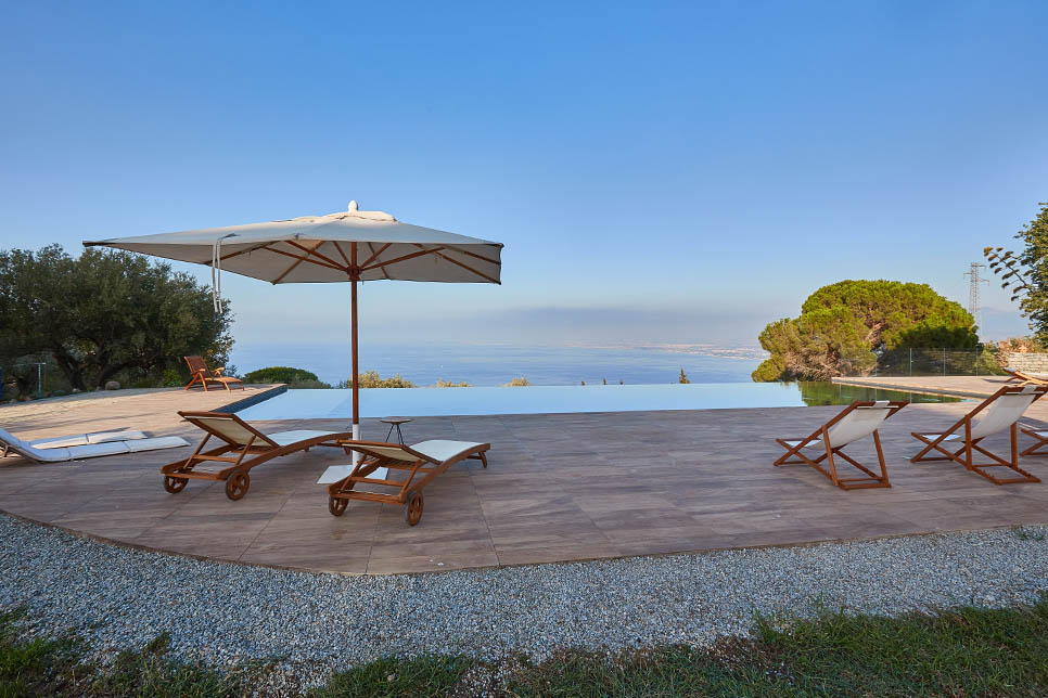 Villa Dioscuri, the infinity pool