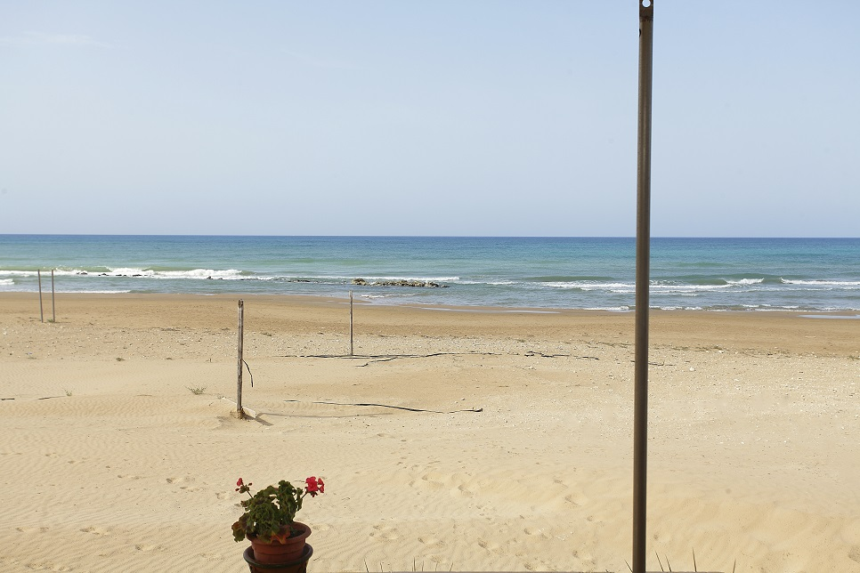Sampieri sandy beach