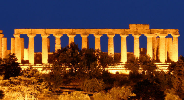 Agrigento Sicily Tourist Valley of Temples