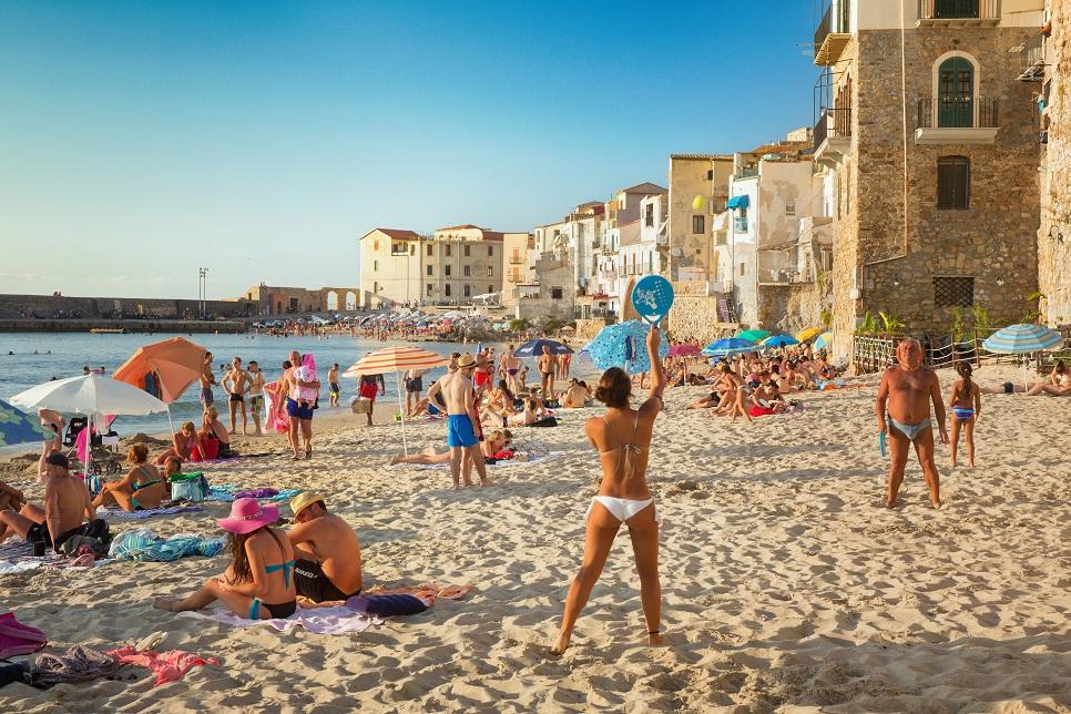 The sandy beach in Cefalù