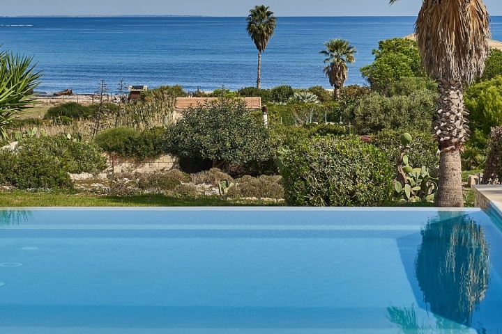 seafront-villas-in-sicily-with-pool-wishsicily