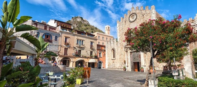 Taormina, Sicily: the perfect location to go on holiday
