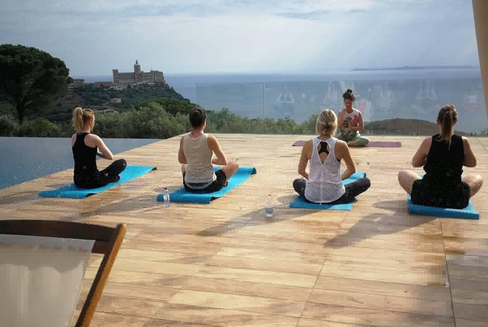 yoga at villa dioscuri