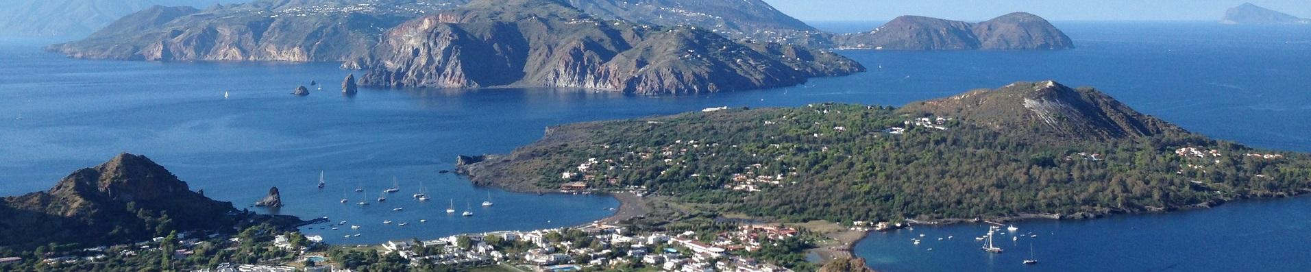 Villas to rent for the holidays in the Aeolian islands
