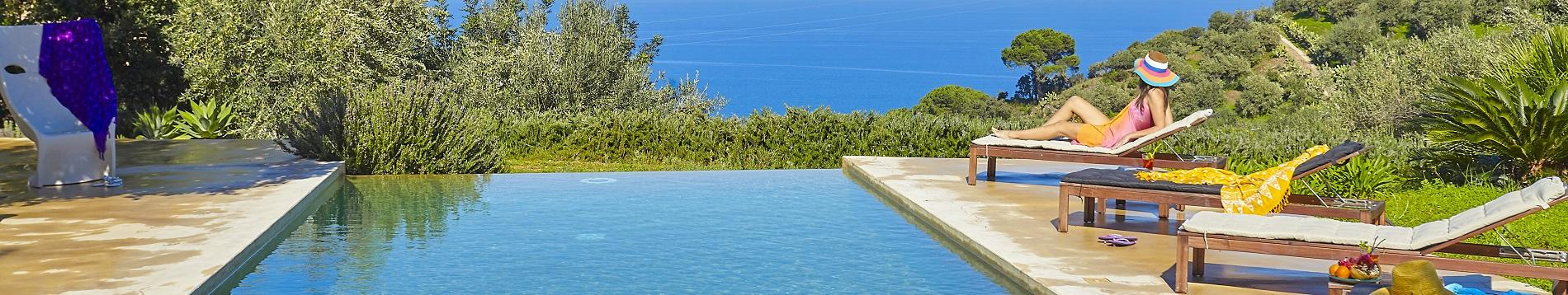Luxury villas in Sicily with pools