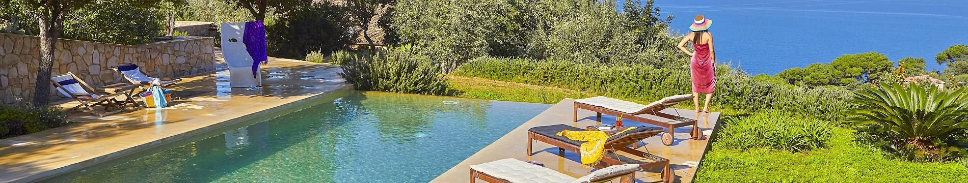 Villas in Sicily with pools near Palermo