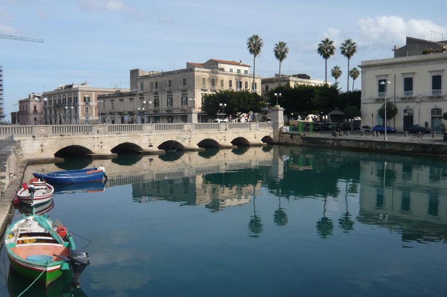 Siracusa ortigia sicily for Siracusa hotels ortigia