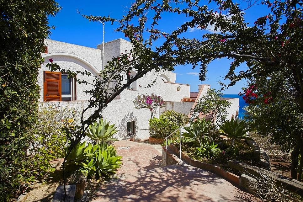 Villa Lo Scoglio Fontane Bianche 28093