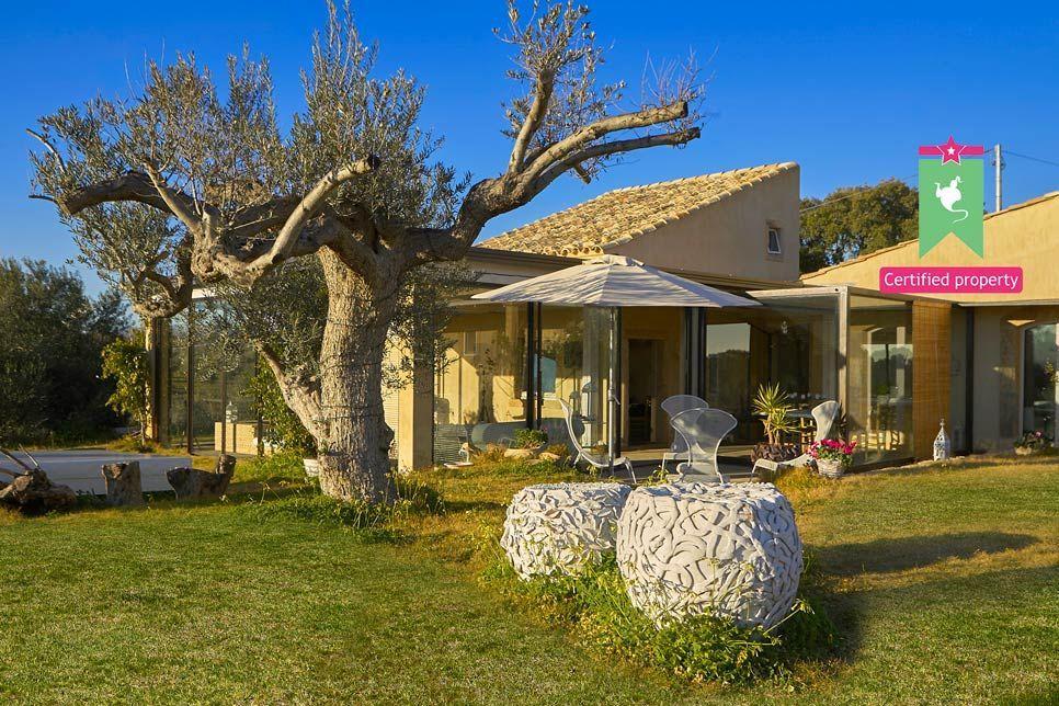 Villa del Noce Caltagirone 24095