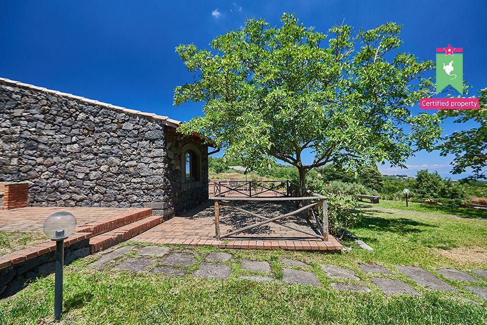 Casa Gialla & Tana Sant'Alfio 26068