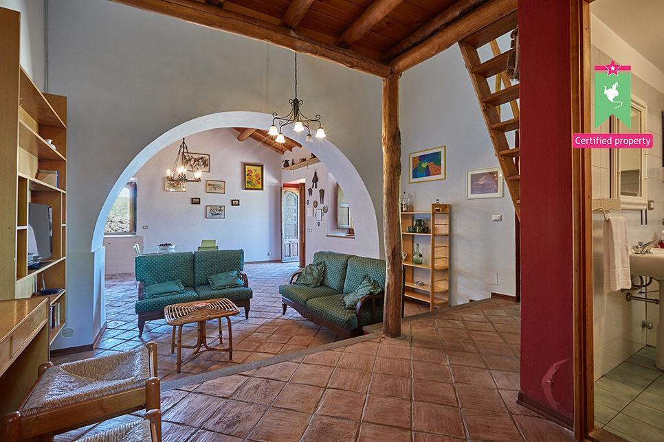 Casa Gialla & Tana Sant'Alfio 26070