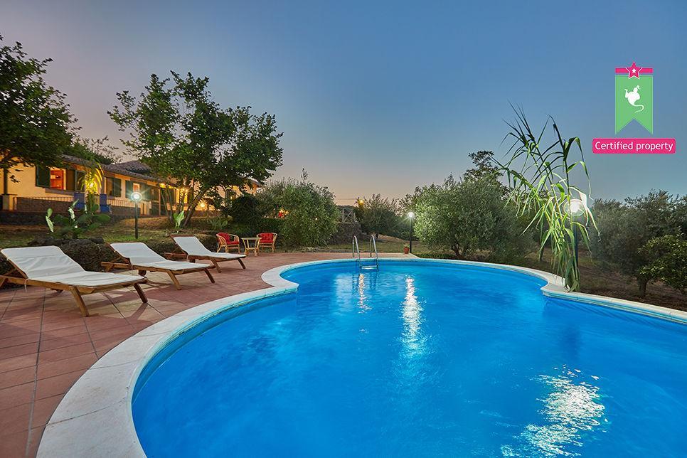Casa Gialla & Tana Sant'Alfio 26044