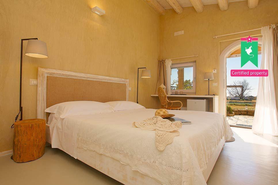 Villa del Noce Caltagirone 24082