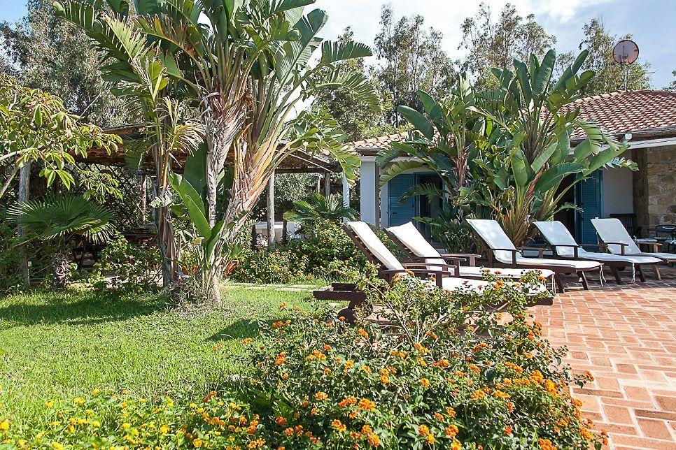 Villa Buzza Caronia 26582